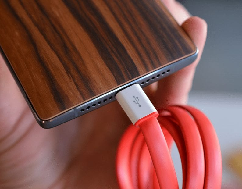 USB Type C port - OnePlus 2