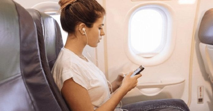 What Happens When You Don't Switch Your Phone To Airplane Mode While Flying (5)