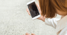 Smartphones-That-Can-Self-Heal-Its-Cracked-Screen.