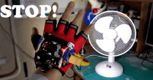 """This Arduino-Powered """"Time Control Machine"""" Glove Can Freez Things Like A Boss"""
