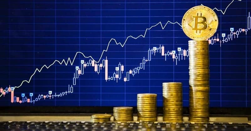 """Bitcoin Will Hit $300,000 To $400,000"" — Ronnie Moas, Analyst Who Predicted Recent Rise"
