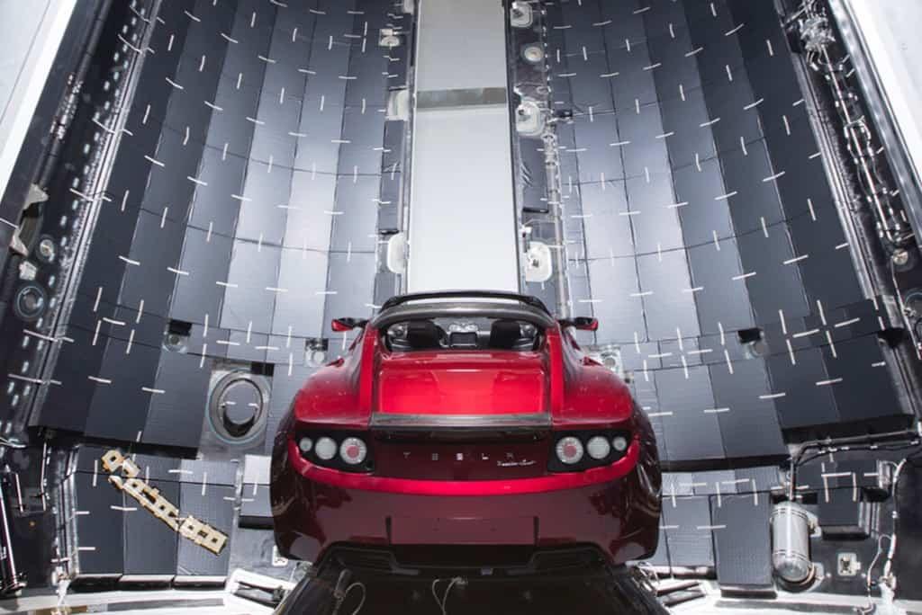 elon-musk-tesla-roadster-spacex-mars-photos