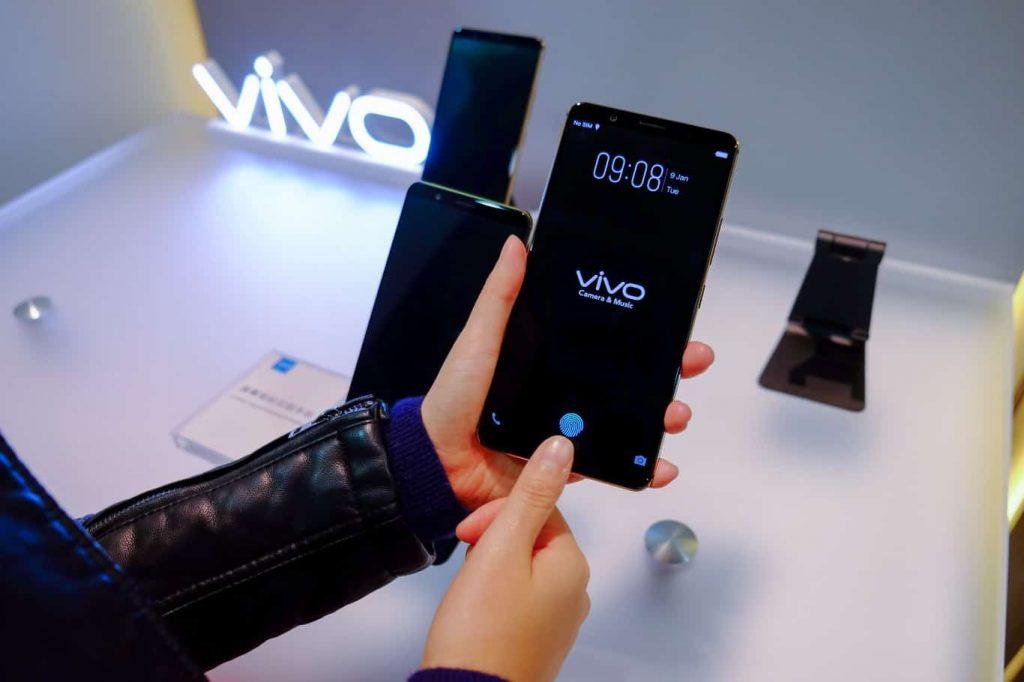 Vivo-smartphone-in-display-fingerprint-scanner-CES-2018