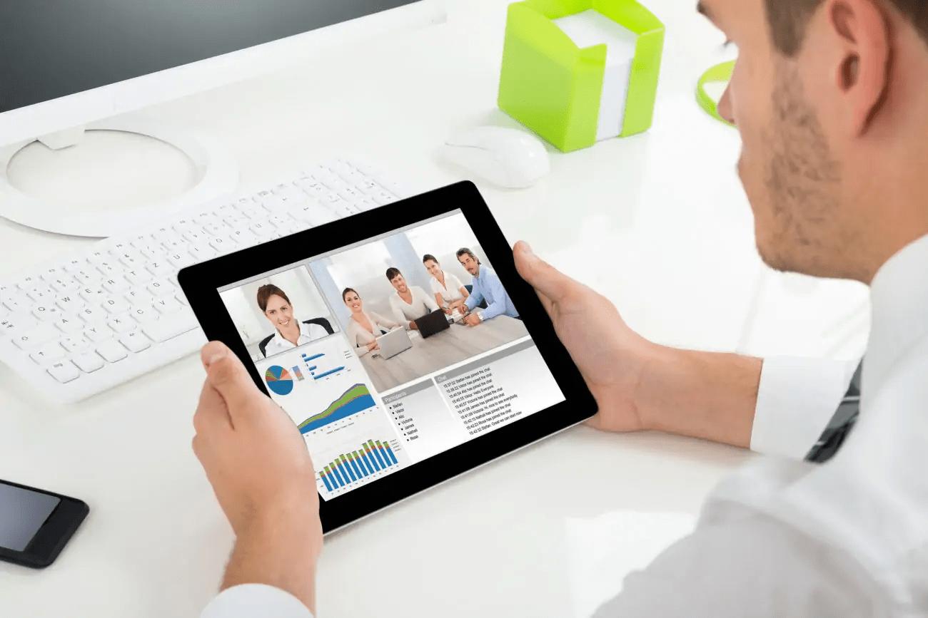 4 Ways ClickMeeting Helps Sales Teams Close More Deals: A Review