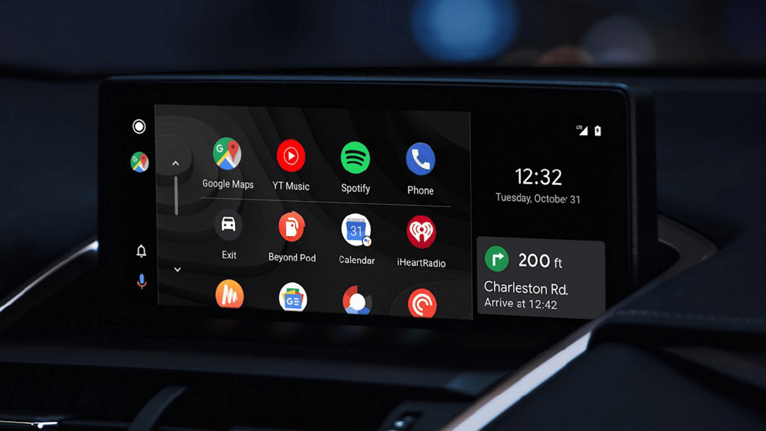 What Is Android Auto, and Should You Use It Instead of a Regular Phone in Your Car?