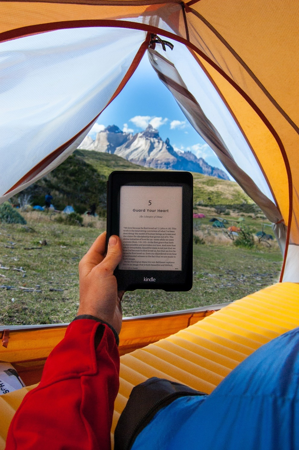 5 Best E-Readers to Buy - According to Tech Experts