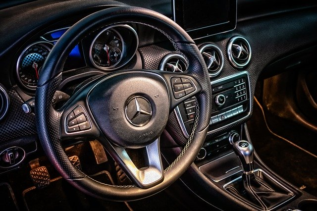 7 Auto Technologies You Would Love To Have in Your Car
